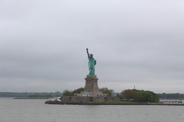ニューヨークの定番観光スポット 自由の女神 フェリー