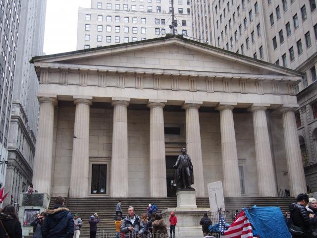 ニューヨークの定番観光名所スポット ニューヨーク証券取引所