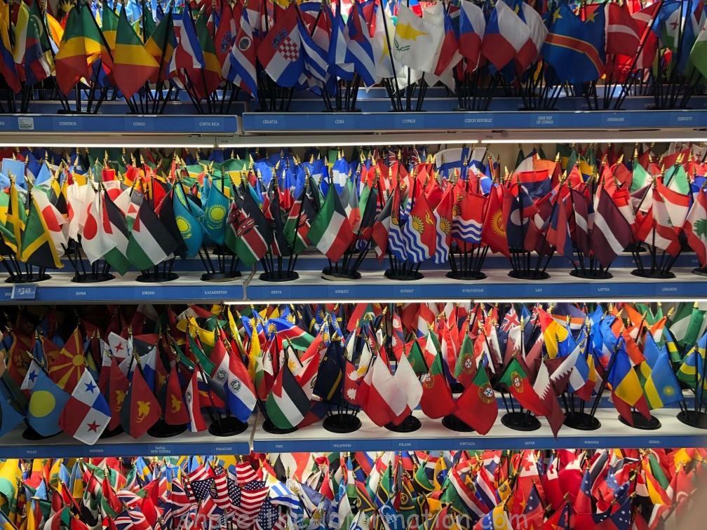 ニューヨーク国連本部のお土産国旗